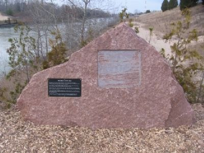 Wisconsin State Rock Marker Photo, Click for full size