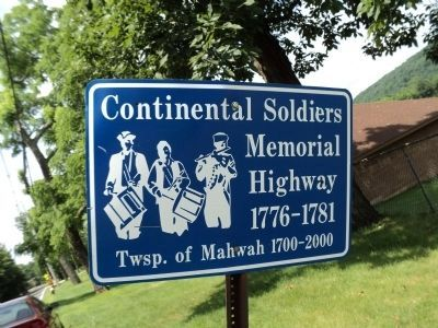 Continental Soldiers Memorial Highway image. Click for full size.