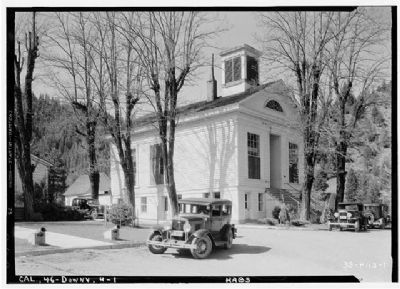 Sierra County Courthouse image. Click for full size.