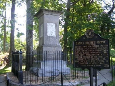 Daniel Boone's Grave Marker image, Click for more information