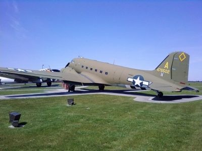 Douglas TC-47D Skytrain image. Click for full size.
