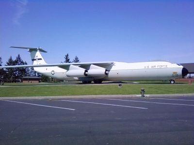 Lockheed-Georgia C-141B Starlifter image. Click for full size.