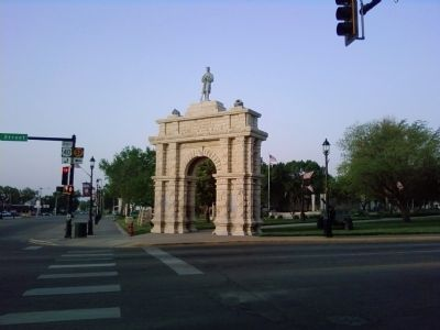 Civil War Arch image. Click for full size.
