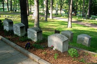 Mark Twain Grave Stone and Family Graves image. Click for full size.