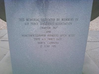 Airlifter's Memorial Photo, Click for full size