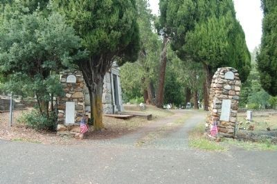 Memorial Entrance image. Click for full size.