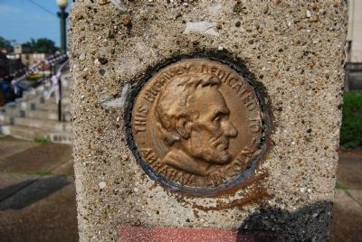 Lincoln Highway Marker Medallion image. Click for full size.