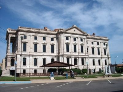 East Side - - The Grant County Courthouse - Marion, Indiana image. Click for full size.