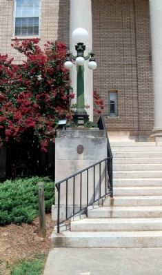 National Register of Historic Places<br>York County Courthouse image. Click for full size.