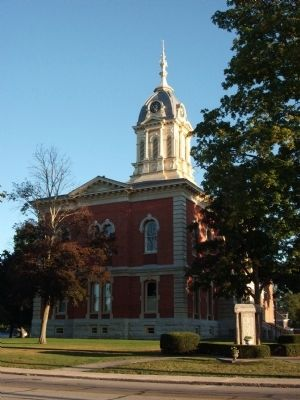 South/East Corner - - Marshall County Courthouse image. Click for full size.