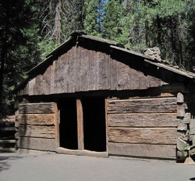 Gamlin Cabin image. Click for full size.