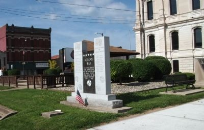 Looking South/West - - Korean War Honor Roll - Grant County (Indiana) Marker image. Click for full size.