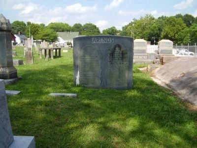 Arends gravesite image. Click for full size.