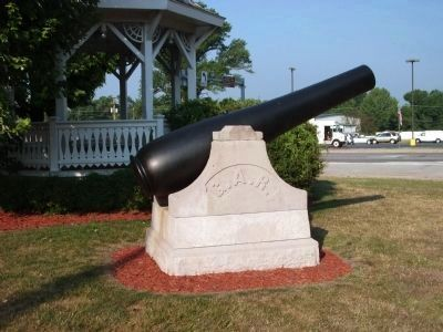 8-inch Rodman Gun (West Side) image. Click for full size.
