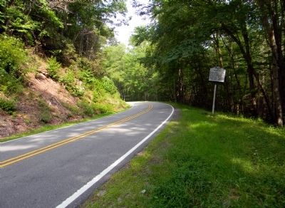 Wide view of the North Carolina / Tennessee Marker Photo, Click for full size