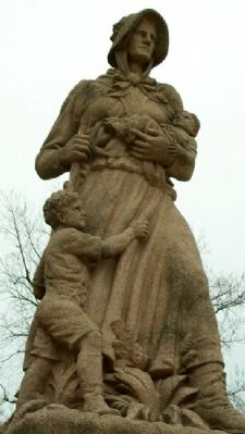 Madonna of the Trail Statue image. Click for full size.