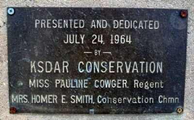 Marker at Madonna of the Trail Park image. Click for full size.