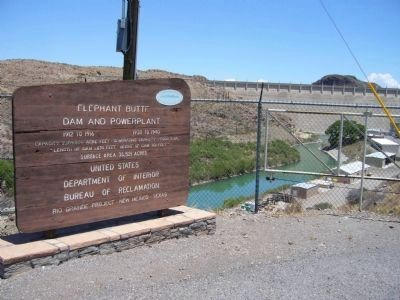 Elephant Butte Dam and Powerplant image. Click for full size.