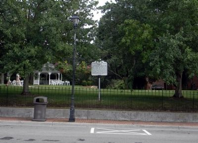 Wide view of the Martha Washington College Marker image. Click for full size.