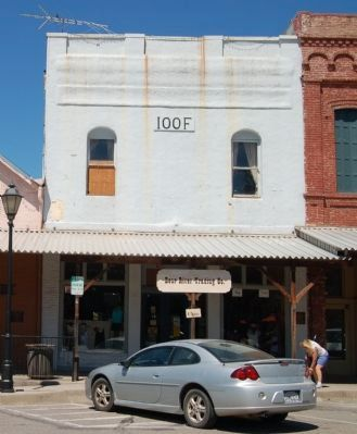 14 North Main Street image. Click for full size.