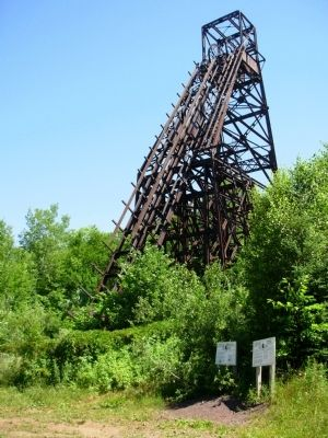 Plummer Mine Headframe image. Click for full size.