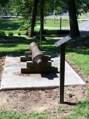 Mt. Aetna Cannon and Marker Photo, Click for full size