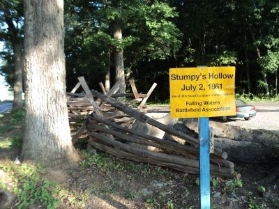 Marker and Split-rail Fence at Stumpy�s Hollow Photo, Click for full size