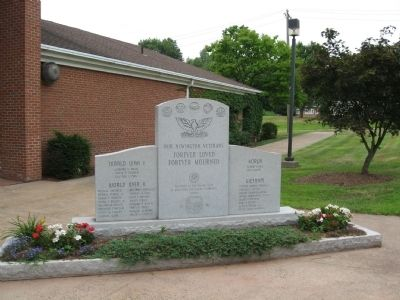 Newington Veterans Memorial image. Click for full size.