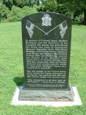 Union Memorial (front) - Near Gravesite at Entrance to Battlefield image. Click for full size.