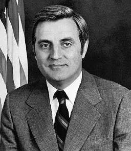 Former U.S. Vice President Walter F. Mondale image. Click for full size.