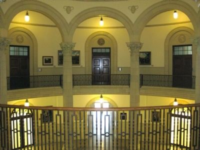 Courthouse Interior: Corinthian Columns and Vaulted Arches image. Click for full size.