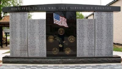 Erie Veterans Memorial image. Click for full size.