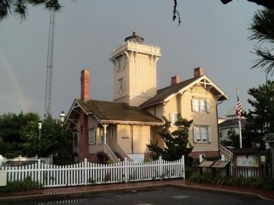 The Hereford Inlet Lighthouse image. Click for full size.