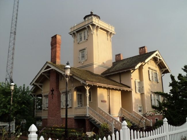 Hereford Inlet Lighthouse image. Click for full size.