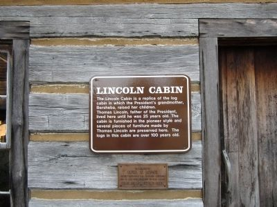 Lincoln Cabin Marker image. Click for full size.