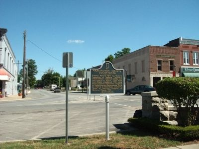 Looking North - - Washington County Courthouse / Marker image. Click for full size.