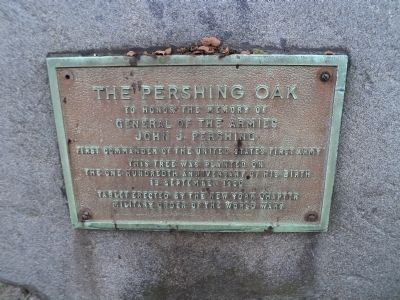 The Pershing Oak Marker image. Click for full size.