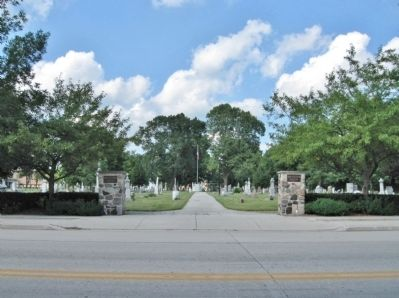 New Holstein Cemetery image. Click for full size.