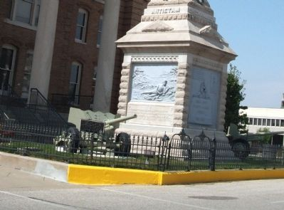 Wide View - - Site of First Court House - School Marker image. Click for full size.