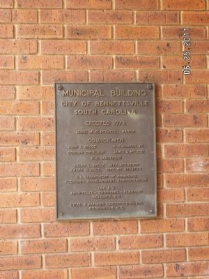 Municiple Building Plaque image. Click for full size.