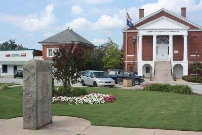 Edgefield County Courthouse and Governors Memorial, at Courthouse Square image. Click for more information.
