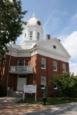 Old Monroe County Courthouse now serves as the Monroe County Heritage Museum image. Click for full size.
