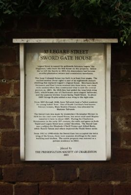 32 Legare Street Sword Gate House Marker image. Click for full size.