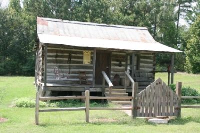Deason Falkenberry log cabin built in the 1840's image. Click for full size.