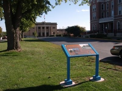 Wide View - - Mount Vernon's Historic Square Marker image. Click for full size.