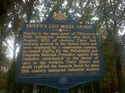 Duffy�s Cut Mass Grave Marker Photo, Click for full size