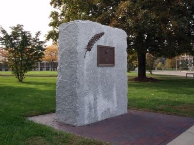 Wide View - - Bartholomew County W.W. I - Veterans Memorial Marker image. Click for full size.