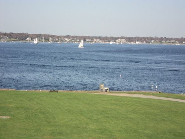Marker and Narragansett Bay image. Click for full size.