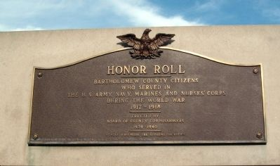 Top Plaque - - World War I Honor Roll & Veterans Memorial Marker image. Click for full size.