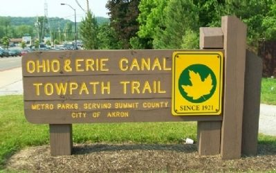 Ohio & Erie Canal Towpath Trail Sign image. Click for full size.